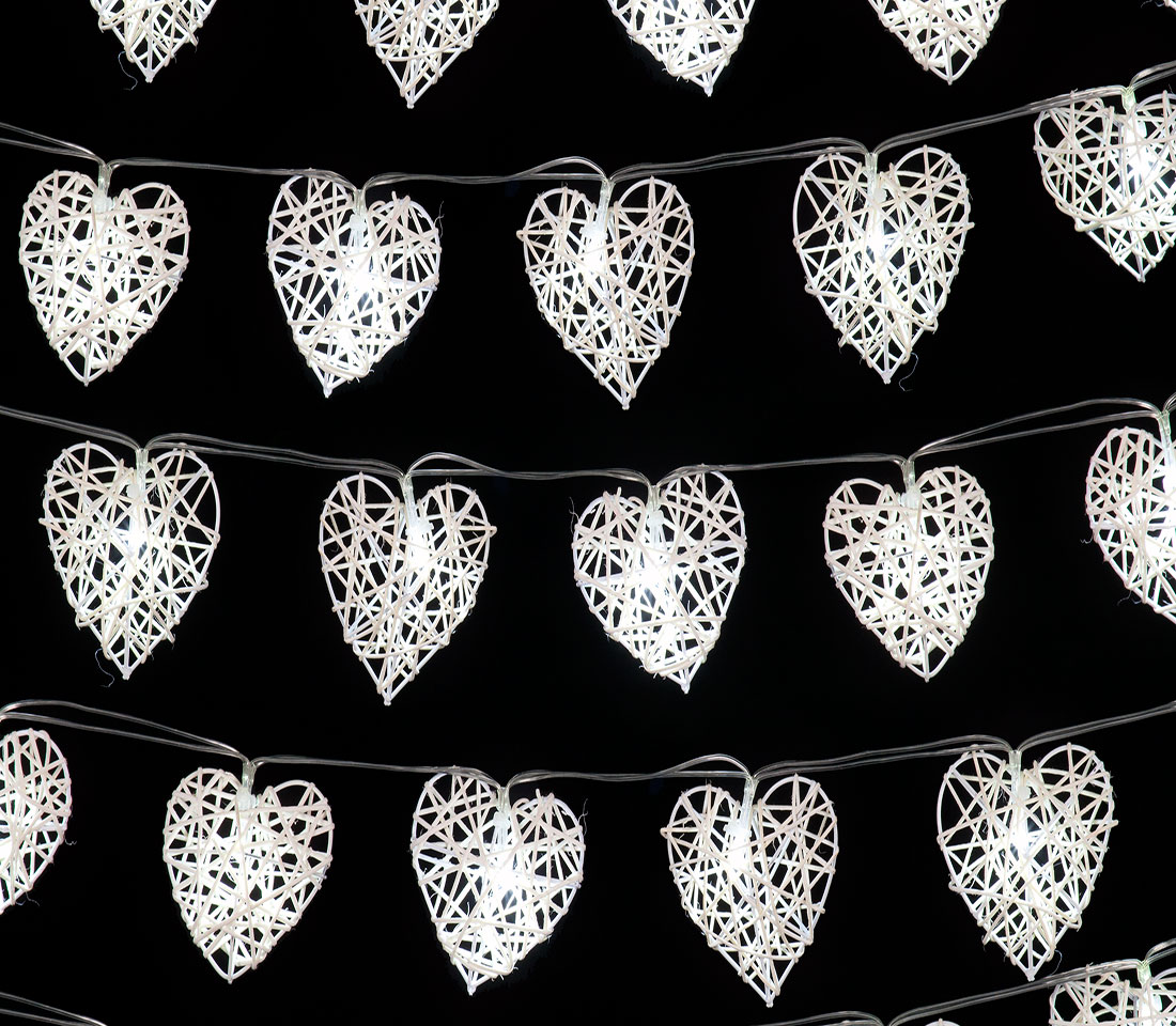 Set of 20 Small White Rattan Heart Lights with 20 ice White LEDs