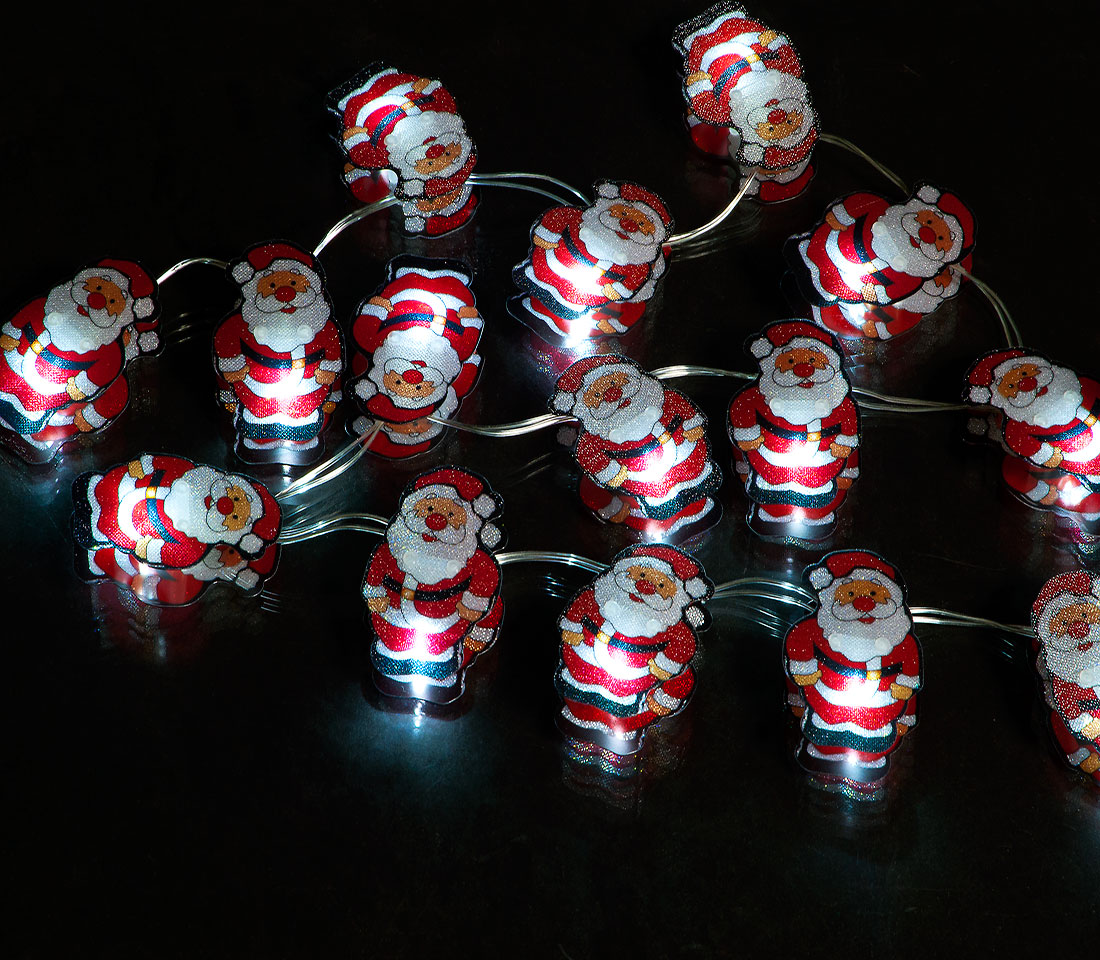 Battery Operated  Set of 20 Small Santa Lights with 20 Ice White LEDs