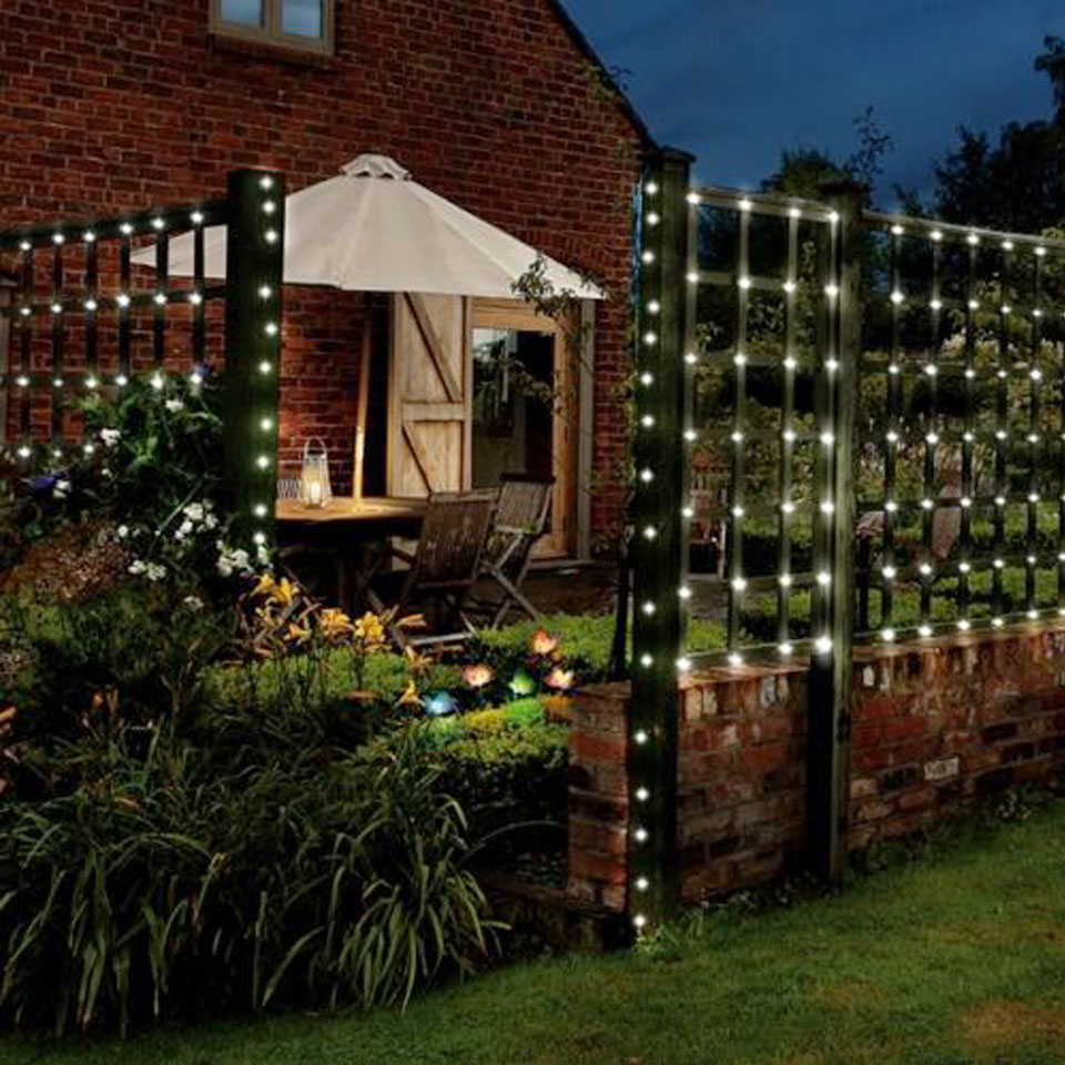 20m/80ft String of 250 Solar Powered White LED Garden Lights
